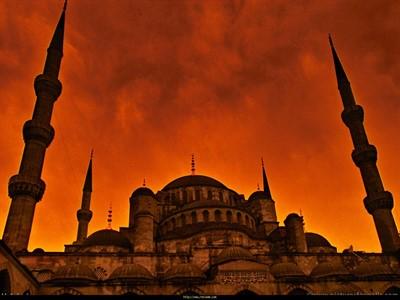 Fatih'te İkinci El Eşya Alanlar